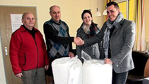 Wenatex dona materassi alla croce ross